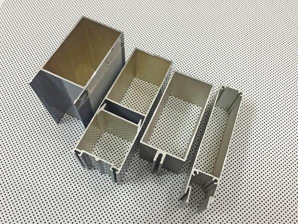 lam-chan-nang-hinh-hop-aluminium-box-louver