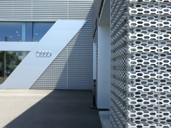 mat-dung-alu-facade-duc-lo-aluminium-perforated-facades-panel