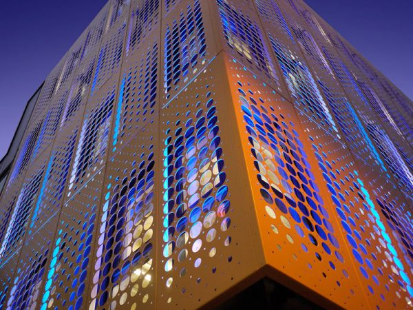 mat-dung-alu-facade-duc-lo-perforated-aluminium-facades-panel-15