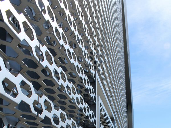 mat-dung-alu-facade-duc-lo-perforated-aluminium-facades-panel-6